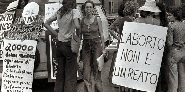 ROMA, 5 Novembre 1975 - Manifestazione a favore dell' aborto. ANSA ARCHIVIO / 65720
